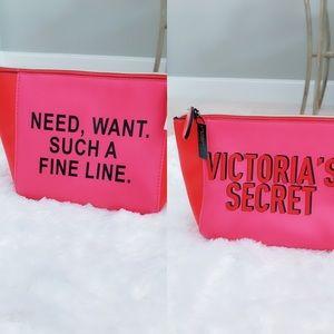 💕Sale💕NWT Victoria's Secret Cosmetics Bag